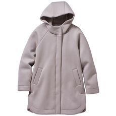 ふんわり軽量中綿素材のコート