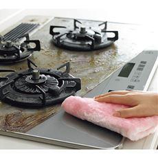 水で濡らして拭くだけで頑固な油汚れを落とせる!日本製のキッチンボアクロス。