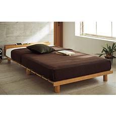 通気性の良さとスタイリッシュなデザインを両立させたステージベッド。立ち座りのしやすさや、ライフスタイルに合わせて高さが3段階に調節できます。脚をはずせば、解放感ある和モダンなローベッドに。高めに設定すれば床下を収納スペースに有効活用することができます。