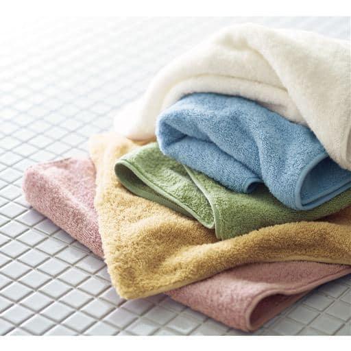 触れた瞬間から感動の吸水力!自信をもってお届けする、使い心地大満足のタオル。