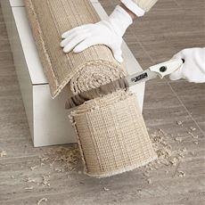 ザクザク切ってかさばる粗大ごみを解体!建設用ノコギリから生まれた、木や鉄も切れる家庭用ノコギリ。女性でも使いやすい使用感です。