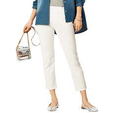 デニムのように見えてデニムじゃない、大人気のスマートニットジーンズ。さらりとした肌触りと足首見せで夏らしい清涼感が魅力のクロップドパンツ。