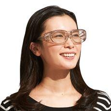 淡色レンズのオーバーサングラス
