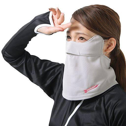 息がしやすい立体構造&Cゾーンから首筋まで紫外線をガード!UVカット率約98%!