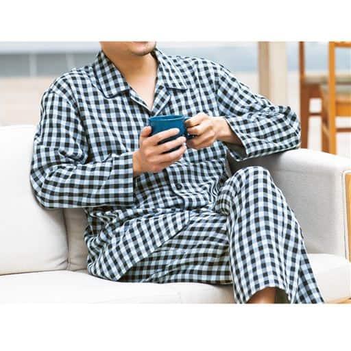 肌に優しい綿100%男のダブルガーゼシャツパジャマ(パンツ前開き)