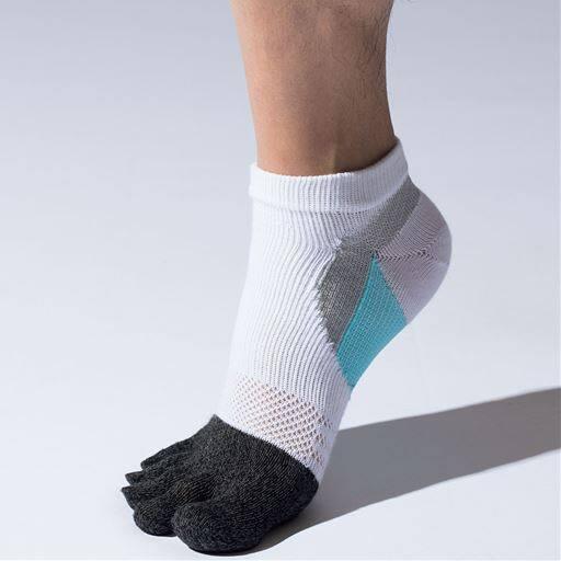 男のスポーツ用ソックス・3足組(抗菌防臭・吸汗速乾)スポーツにピッタリの靴下ならこれ!