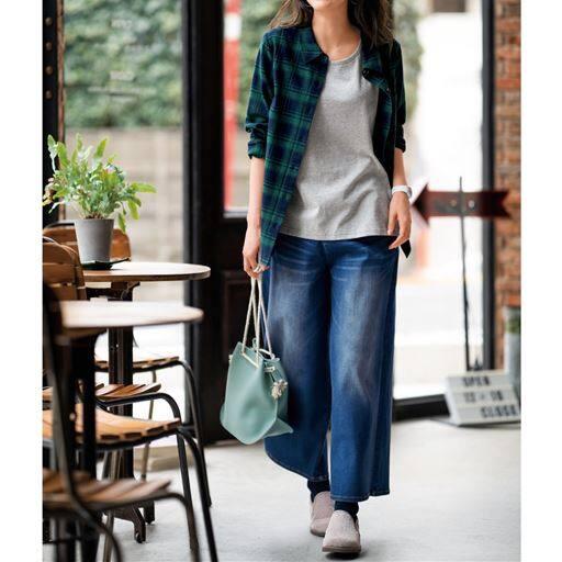 【大きいサイズ プランプ】柔らかく肌ざわりのいい綿100%のベーシックシャツです。