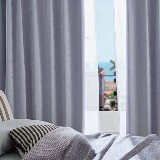 【形状記憶】1級遮光カーテン(遮熱保温・遮音・形状記憶・上品な光沢感のサークル柄)