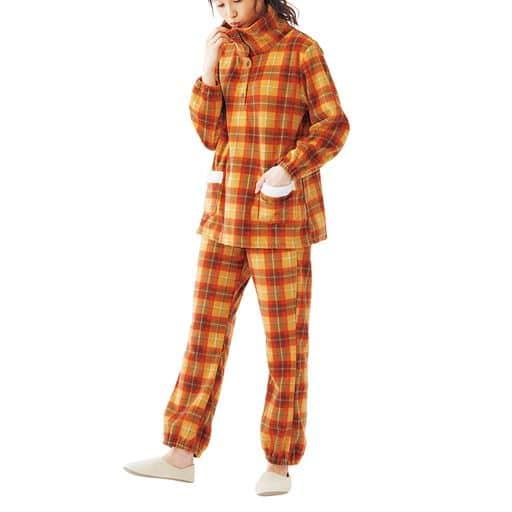 フリースハイネックパジャマ