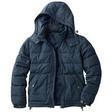 軽さと暖かさを追求したフード付き中綿ジャケット