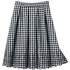 裾刺しゅう使いタックフレアスカート