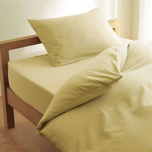 枕カバー「丈夫でしっかり」綿ツイル - セシール ■カラー:オリーブグリーン アンティックブルー アプリコット ローズピンク オークベージュ ミディアムグレー ラズベリーローズ コーヒーブラウン ターコイズブルー ディープバイオレット アイボリホワイト ミスティラベンダー ■サイズ:L(標準:63×43),LL(大きめ:70×50),M(小さめ:50×35)