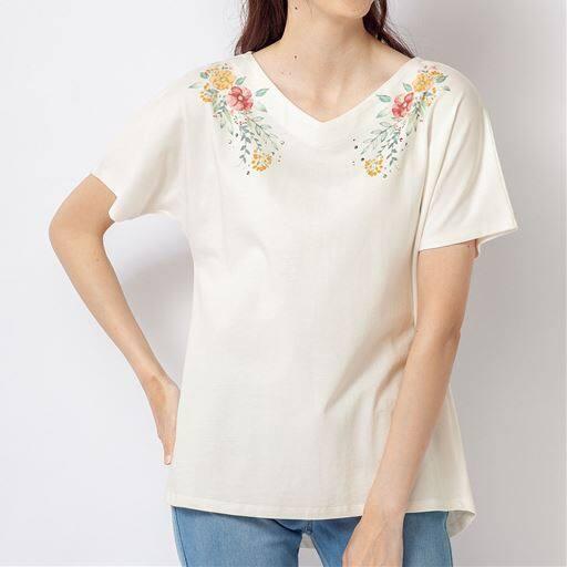 フラワープリントTシャツ(綿100%)