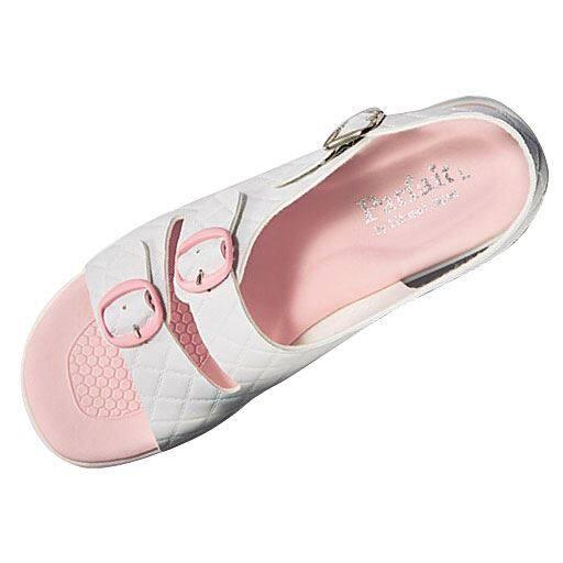50%OFF【レディース】 キルティングエアソールサンダル(ナースサンダル) - セシール ■カラー:ピンク ■サイズ:S(21.5-22cm)