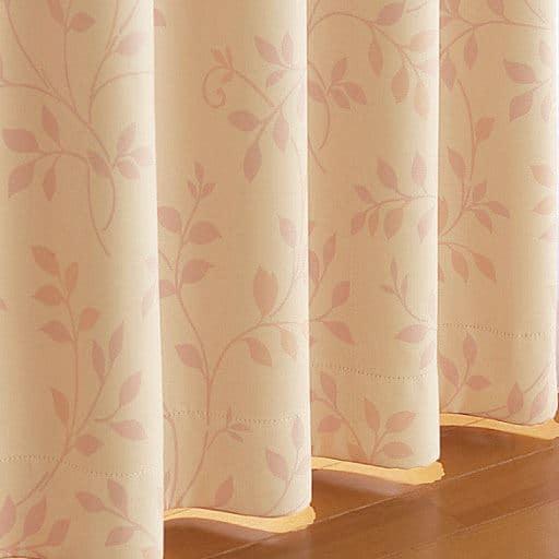 窓を包む保温・防炎1級遮光カーテンと題した写真