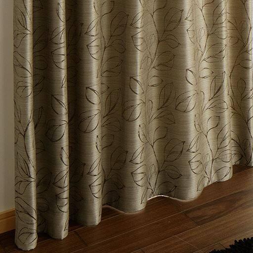 〔形状記憶付き〕モダンリーフ柄ジャカード織りカーテンと題した写真