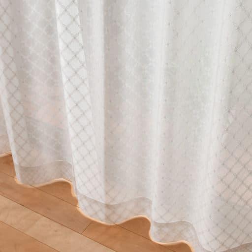 ミラーレースカーテン - セシール ■カラー:オフホワイト ■サイズ:幅200×丈228(1枚物),幅200×丈98(1枚物),幅200×丈168(1枚物),幅200×丈213(1枚物),幅100×丈118(2枚組),幅100×丈176(2枚組),幅100×丈203(2枚組),幅100×丈248(2枚組),幅200×丈183(1枚物),幅200×丈223(1枚物),幅200×丈133(1枚物),幅200×丈198(1枚物),幅130×丈238(2枚組),幅200×丈238(1枚物),幅130×丈248(2