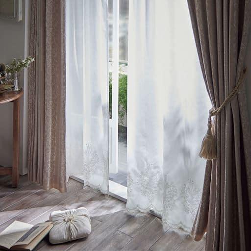 遮像レースカーテン(裾刺繍入り) ■カラー:ホワイト ■サイズ:幅100×丈176cm(2枚組),幅100×丈208cm(2枚組),幅100×丈183cm(2枚組),幅100×丈188cm(2枚組)の商品画像