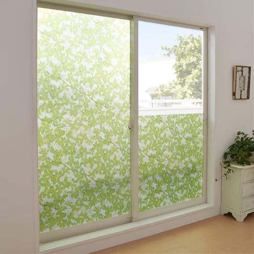 UVカット窓飾りシート/水だけで簡単に貼れる ステンドグラスみたいな質感 - セシール ■カラー:リーフ) C(モザイク) D(フラワー ■サイズ:2枚組