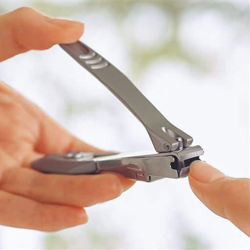 ステンレス高級爪切り(キャッチャー付) - セシール ■カラー:シルバー ■サイズ:スモール,レギュラー