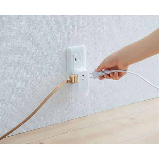 LEDライト付きコンセントタップ/停電時自動点灯 - セシール ■カラー:ホワイト系