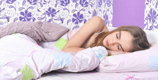 肩こりだけじゃなく、寝違えにも影響が出る?!枕選びは重要です。