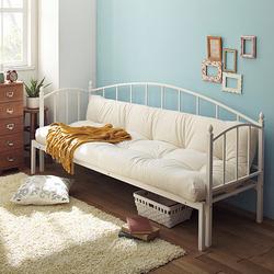 昼はふかふかのソファー、夜はぬくぬくのベッドとして