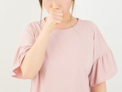 長引く咳や風邪症状は、お医者さんへ