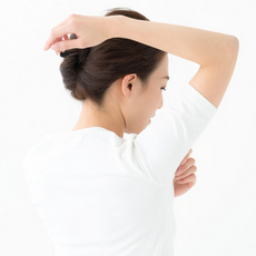 脇汗がひどい、止める方法は?きっと見つかる?!脇汗対策