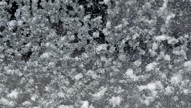窓の近くは結構寒い