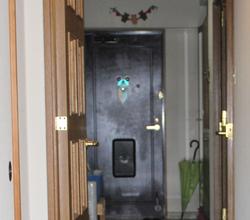 スチール製の扉は、冬はしっとりしていませんか?