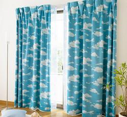 青空模様のカーテン