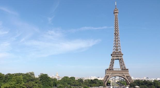 パリの女の子の普段着。気負わないけど、しっかりおしゃれ