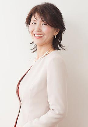 一般社団法人骨格スタイル協会認定講師/AFT1級カラーリスト/中井美香
