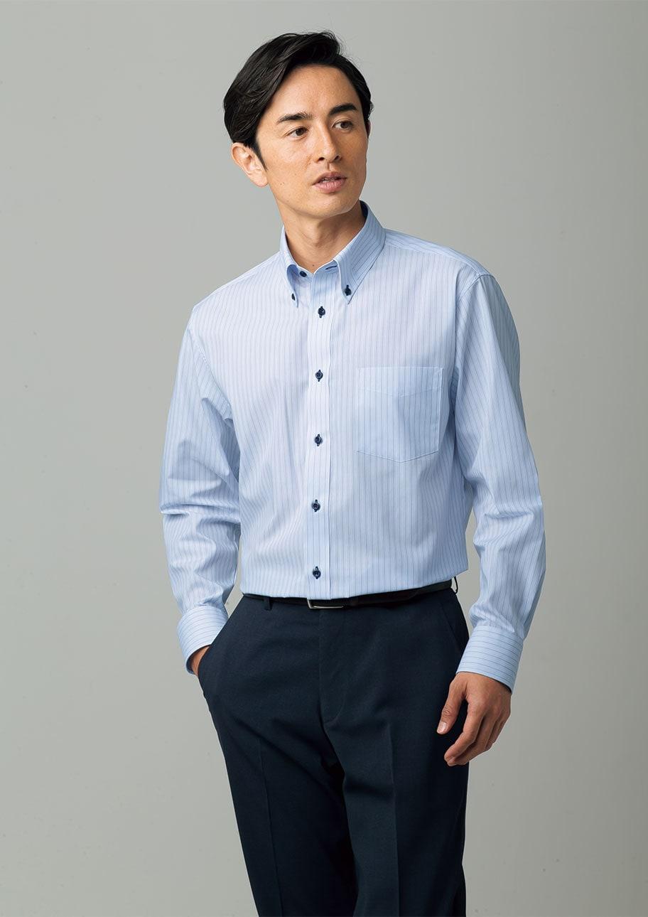 技ありの衿元で個性をアピール。ゆったりシルエットのYシャツ