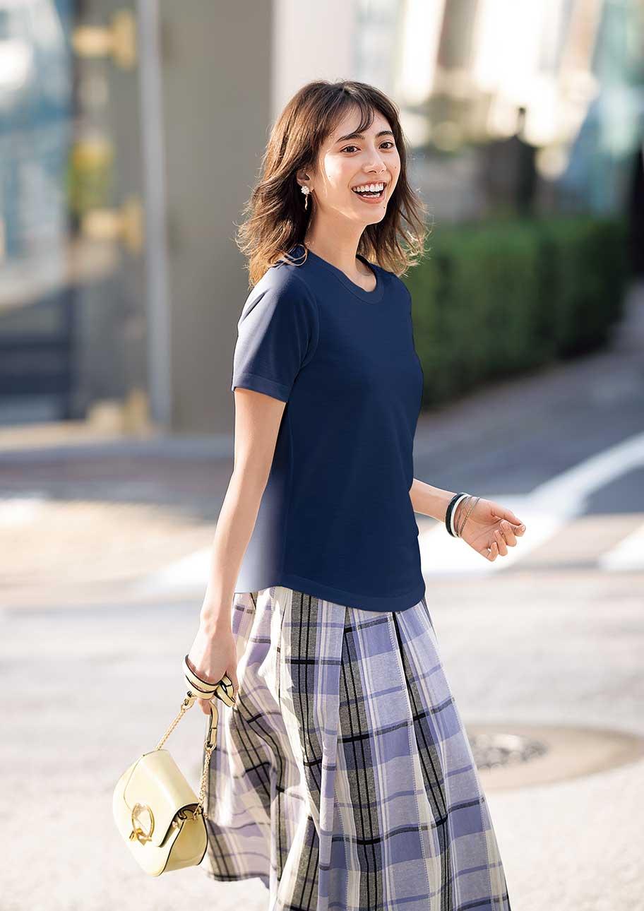 涼しくてラフすぎない鹿の子Tシャツできれいめスカートスタイル