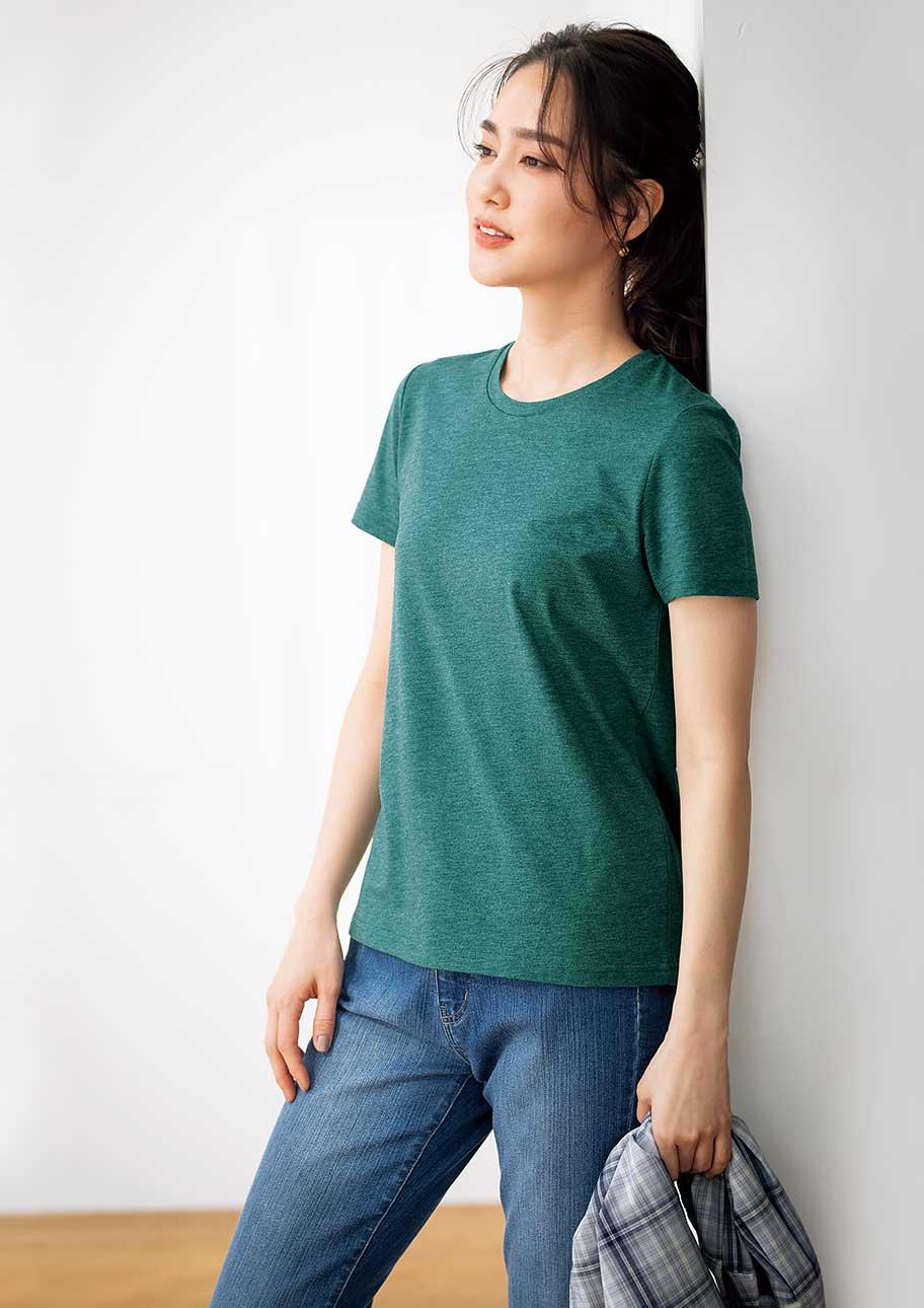 潔くデニムにあわせたい、シンプルTシャツ